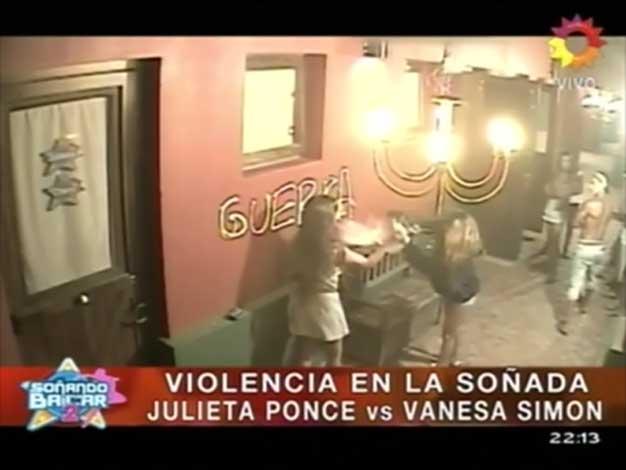 Escándalo en Soñando por bailar 2: dos chicas se agarraron de los pelos por un hombre