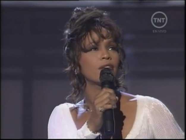 El emotivo homenaje a Whitney Houston en los premios Grammy
