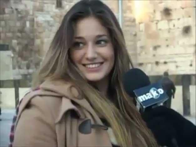 Victoria Irouleguy, como una estrella por las calles de Jerusalén