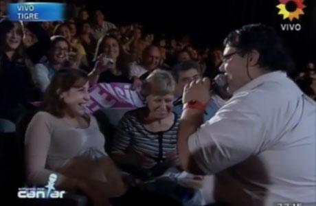 Soñando por cantar 2012: un participante propuso casamiento en vivo
