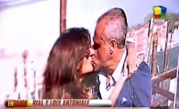 Adelanto Paparazzi: el beso entre Jorge Rial y La Niña Loly