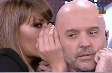 El juego de seducción (al oído) de Coki Ramírez con el Pelado López
