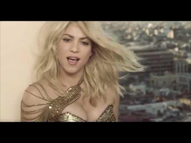 En medio de rumores de embarazo, Shakira estrenó video junto a Pitbull