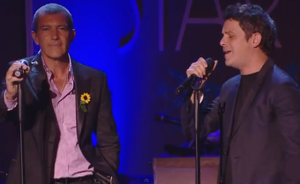 Antonio Banderas cantó con Alejandro Sanz: el video de su imperdible interpretación ¡en inglés y español!