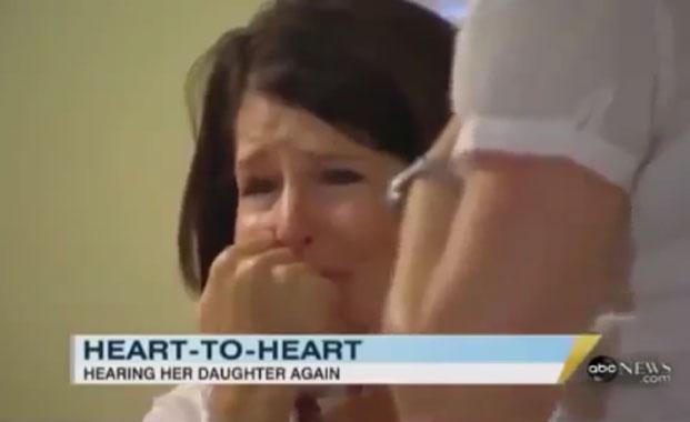 La emoción de una madre al poder escuchar el latido de su hija que murió en un fatal accidente