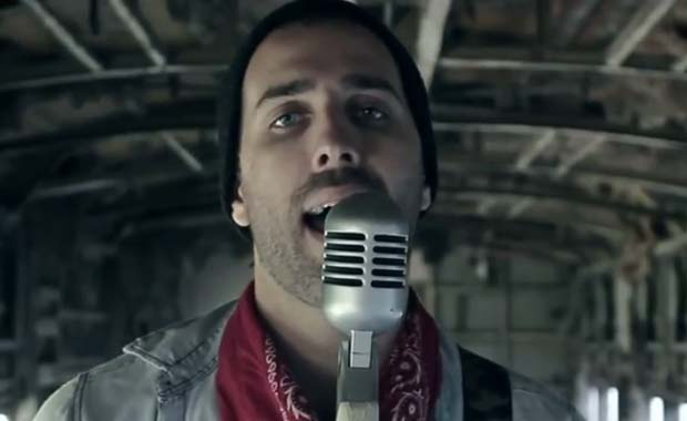 Tutti Diez, el novio de Micaela Tinelli, estrenó un videoclip con su banda de rock