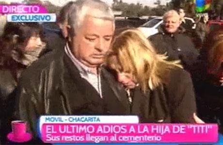 Desgarrador: trasladaron los restos de la hija de Tití Fernández al cementerio de la Chacarita para darle el último adiós