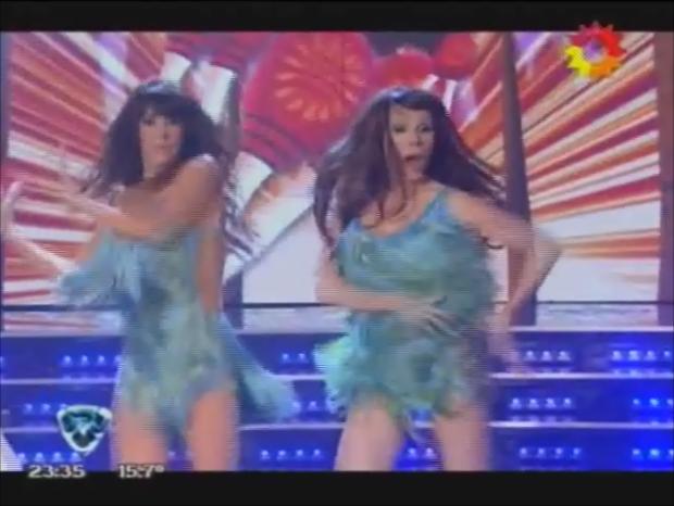 Fátima Florez bailó la salsa en trío con Laura Fidalgo