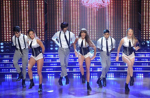 Fidalgo habló poco, bailó mucho y brilló en el K-Pop: el video