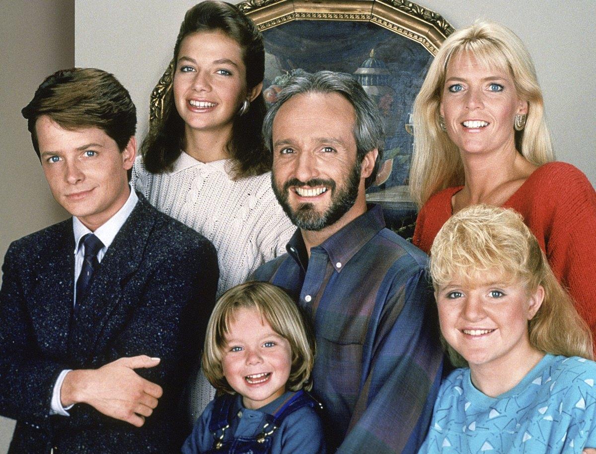 Michael J. Fox se robó el show en la serie de comedia Family Ties - Ciudad  Magazine