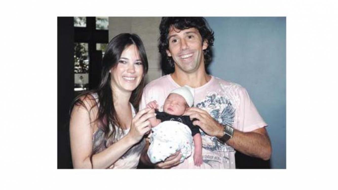 Belén Laurence, Gastón Portal y la pequeña Olimpia. (Foto web)