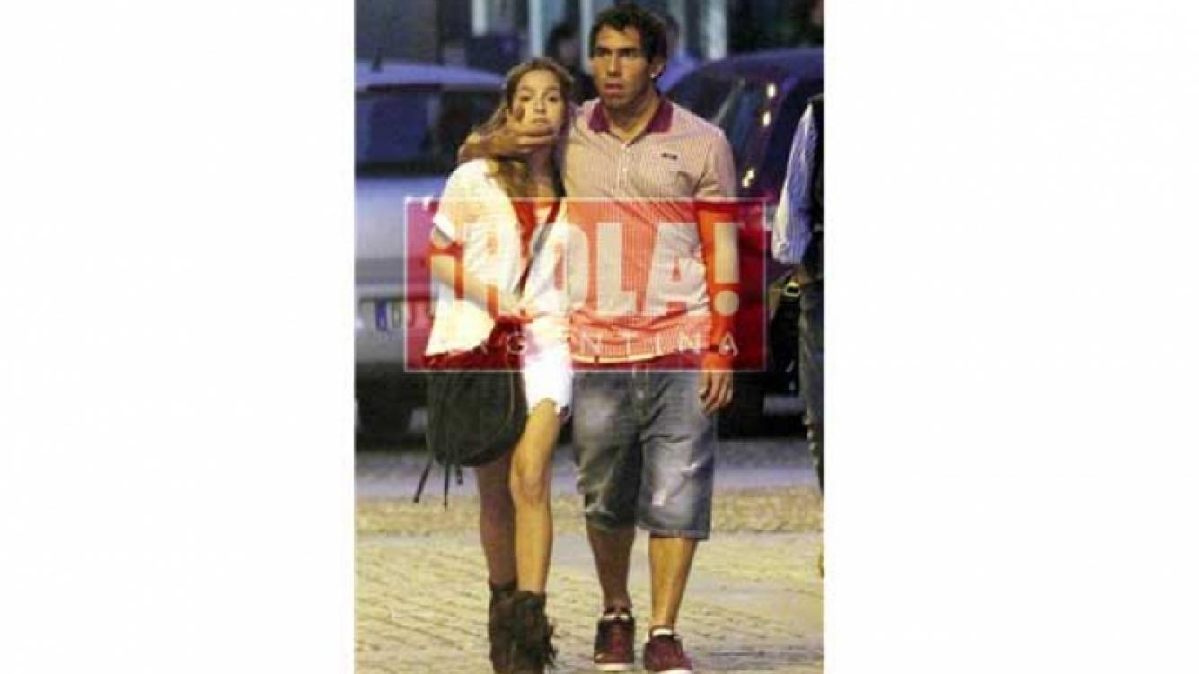 Brenda Asnicar y Carlos Tevez, amor en Milan. (Foto: ¡Hola! Argentina).