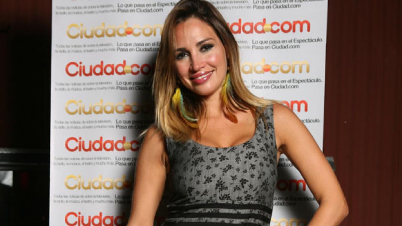 Belén debuta como poetisa (Foto: Ciudad.com)