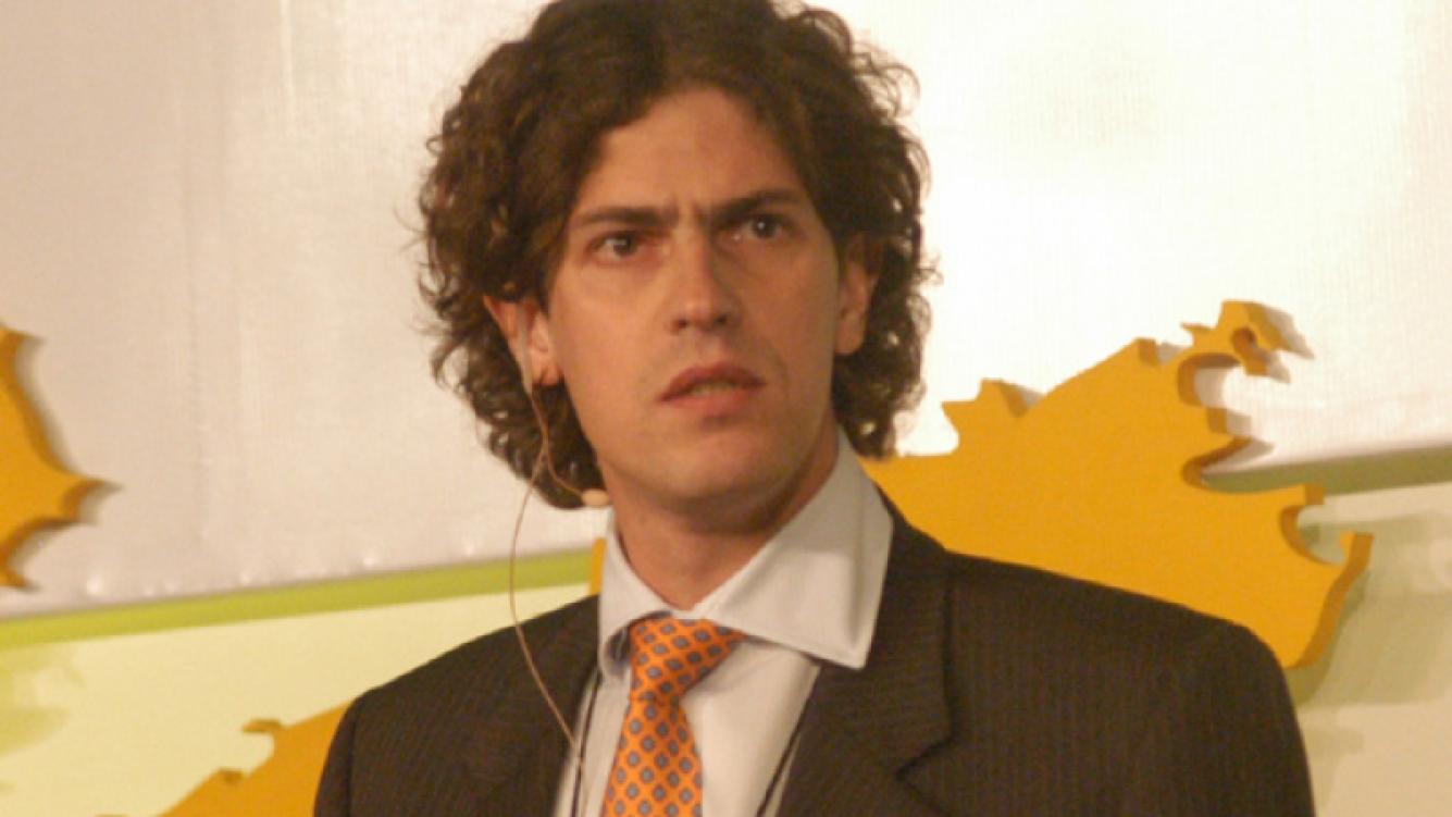 Martín Lousteau habla de infidelidad en su nuevo libro de economía. (Foto: web)