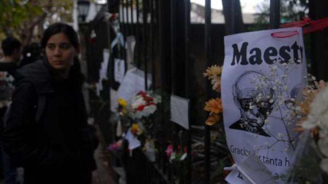 Dolor por la muerte de Sabato. (Foto: Cadena3.com).