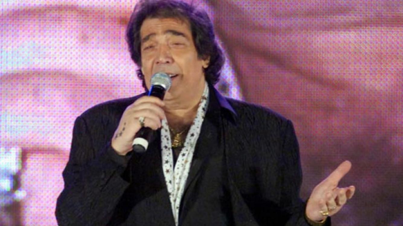 Cacho Castaña, internado por fiebre y dolores producto de su tabaquismo crónico. (Foto: Web)