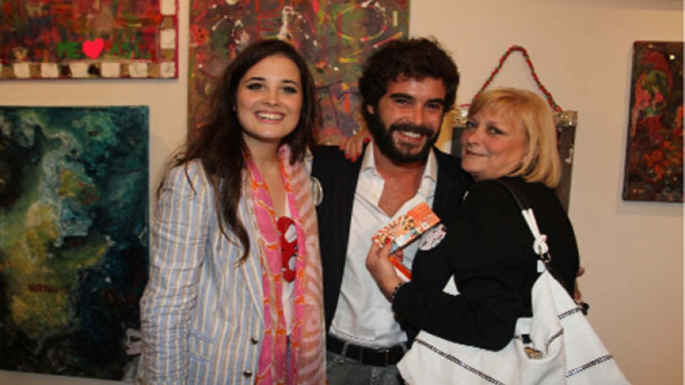 En 2010,  Cabré asistió a la muestra de arte de ella (Foto: web).