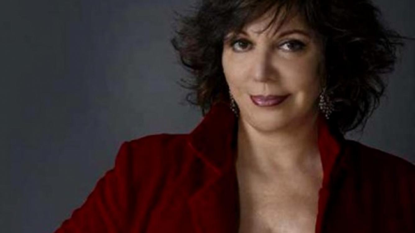 Cecilia Rosetto dice ser víctima del uso excesivo del celular. (Foto: Web)