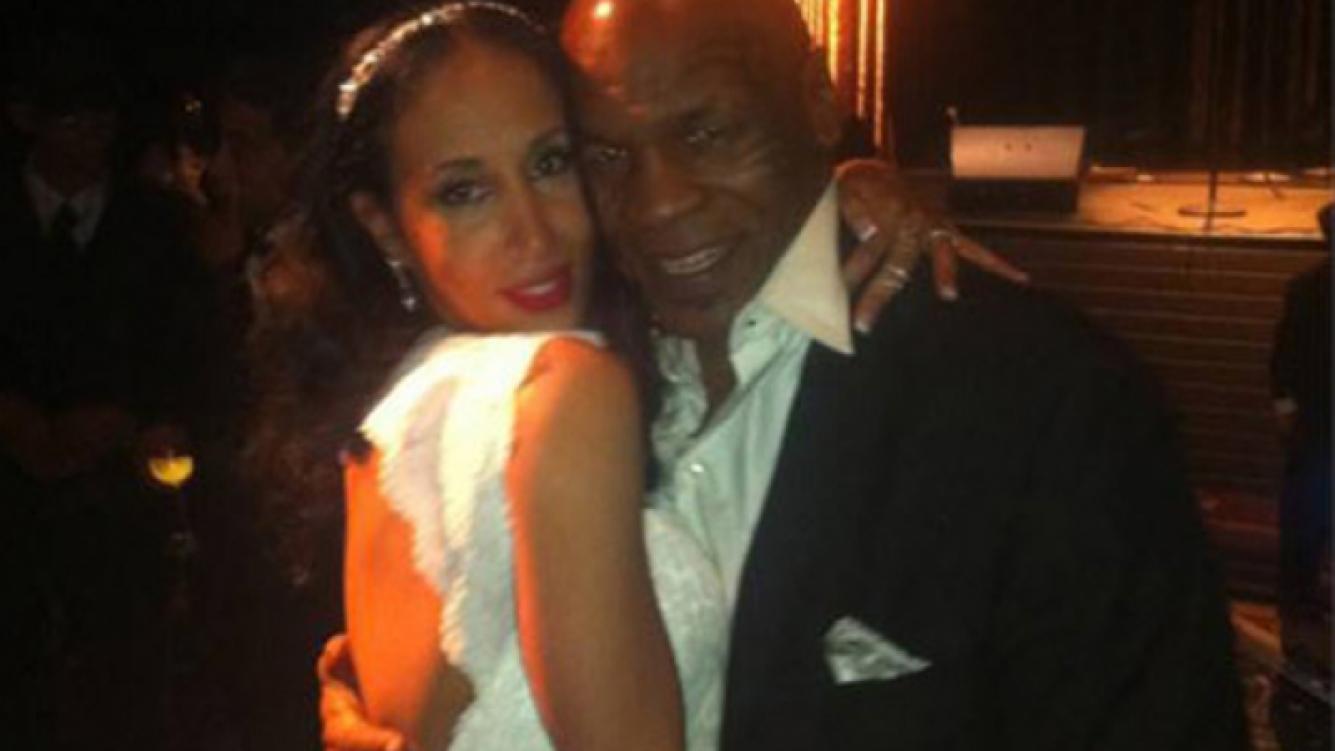 Mike Tyson y Lakiha Spicer, recién casados en Las Vegas. (Foto: tmz.com)