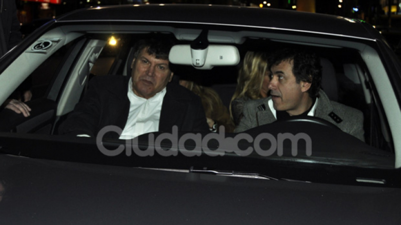 Así fue la llegada de Carlín al teatro. (Foto: Jennifer Rubio)