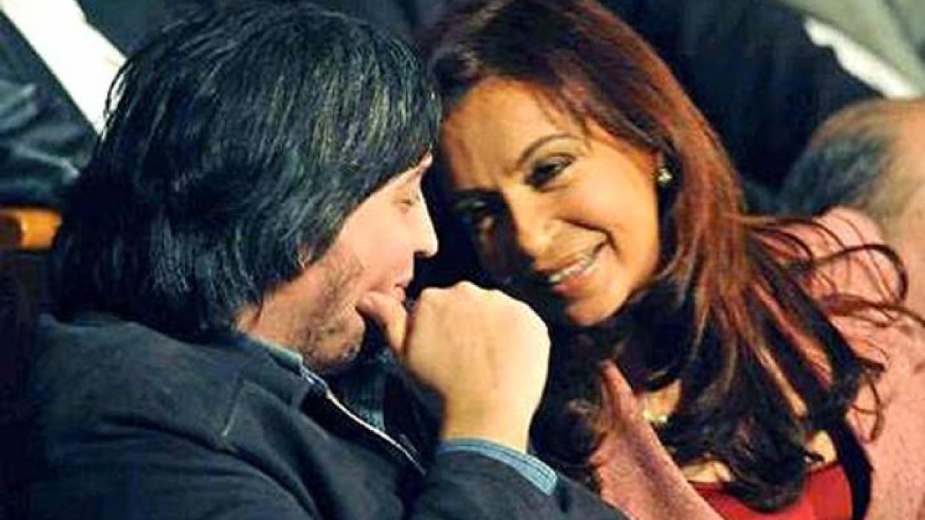 Cristina Fernández de Kirchner y su hijo Máximo, que será papá. (Foto: Web)