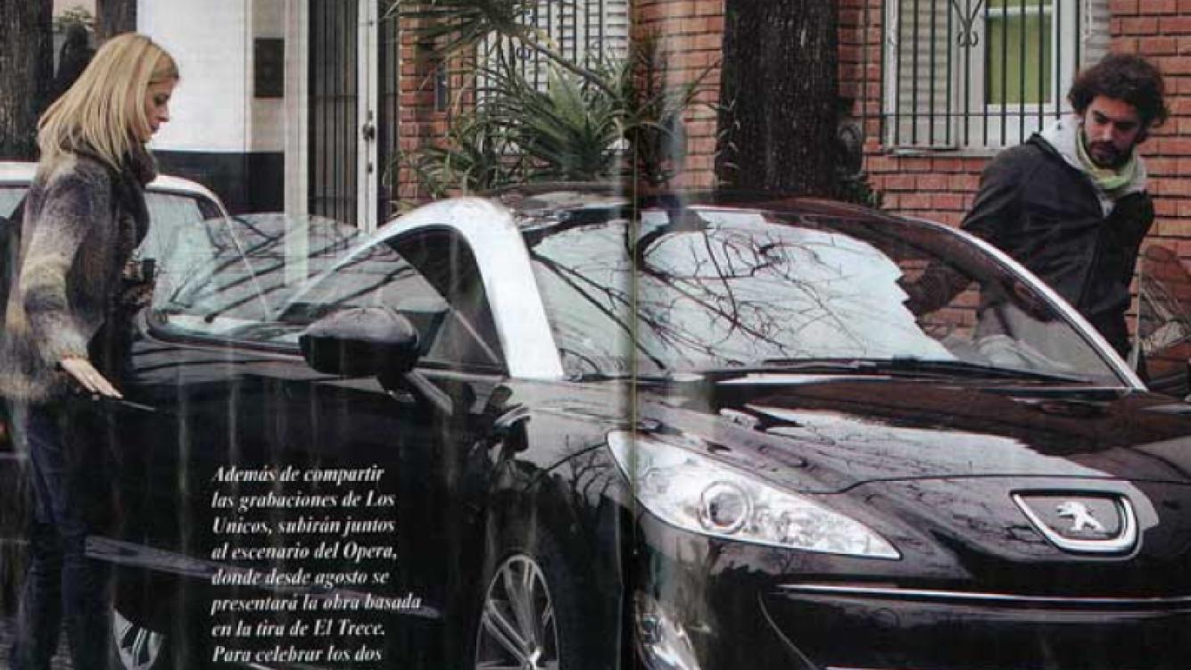 """Cabré y Tobal, con """"chiche nuevo"""" de 200 mil pesos. (Foto: Pronto)"""