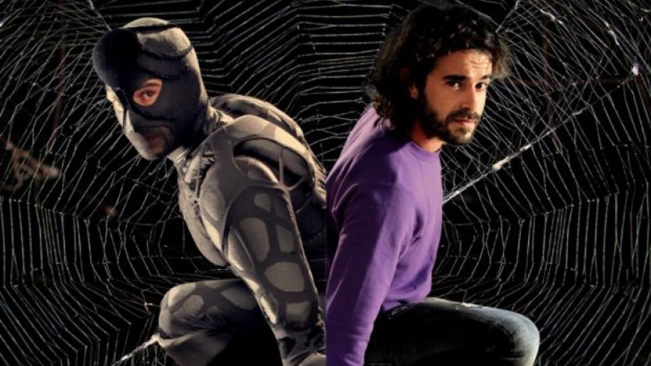 ArañaMan, el nuevo superhéroe de Los Unicos, interpretado por Nicolás Cabré. (Foto: El Trece)