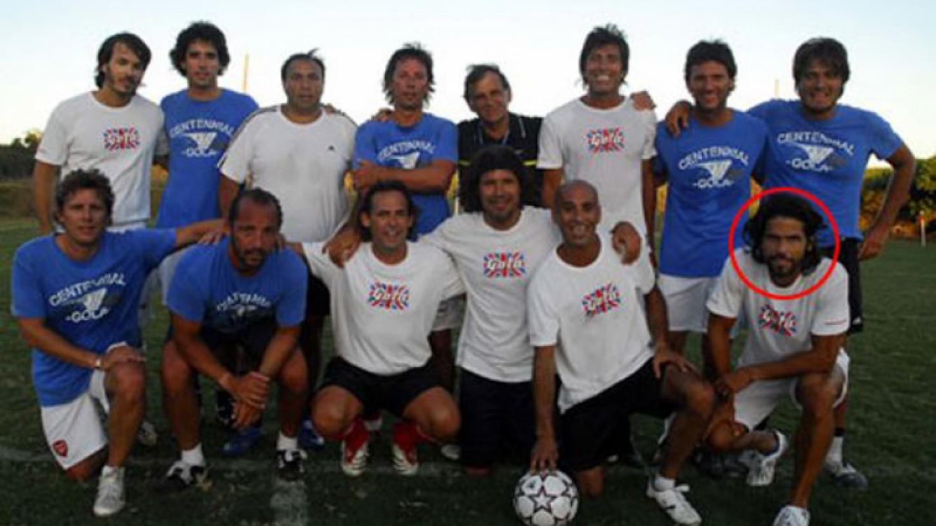 En Punta del Este jugando al fútbol con sus amigos Tinelli, Repetto, Gravier y Nacho Viale (Foto: Web).