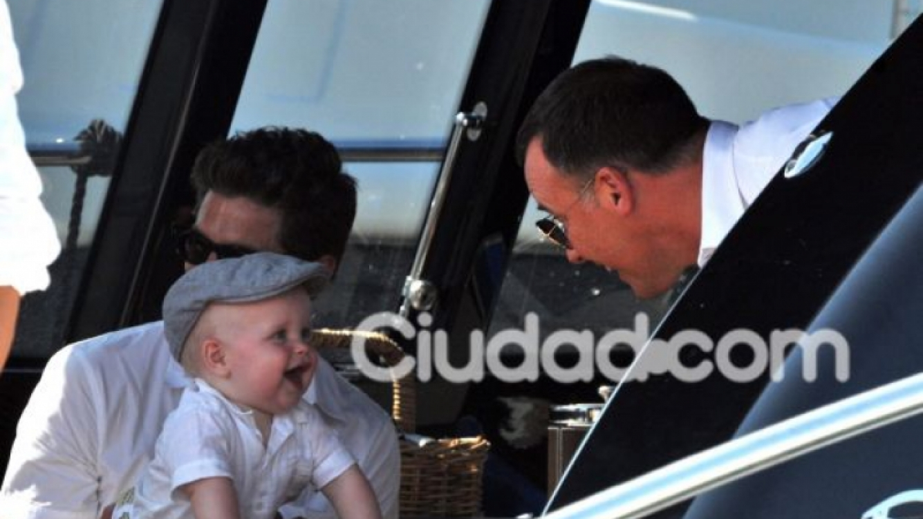 Zachary con sus papás. (Foto: Southern Press).