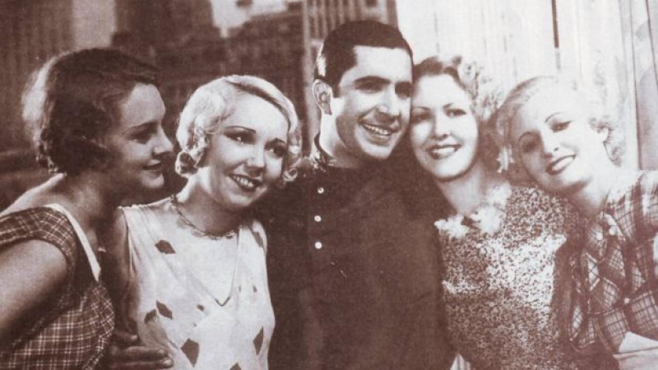 Carlos Gardel en Rubias de New York.