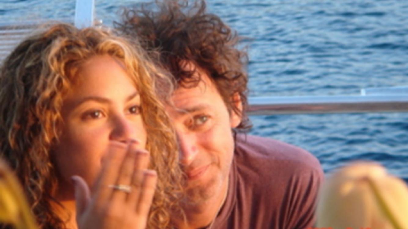 La cantante Shakira subió esta foto con su amigo (Foto: Twitter).