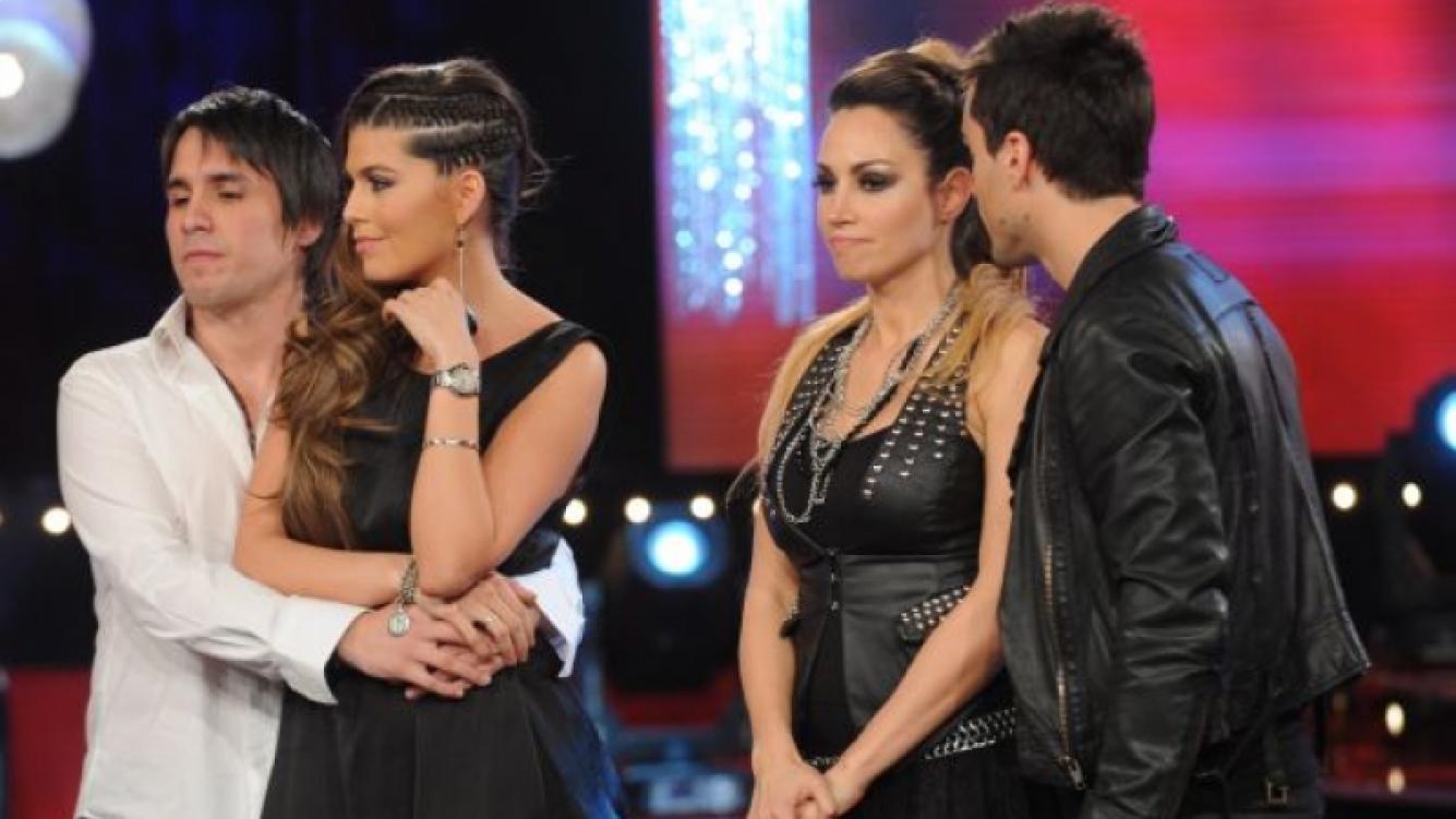 """Mariana """"Loly"""" Antoniale y Belén Francese fueron al voto telefónico. (Foto: Prensa Ideas del Sur)."""