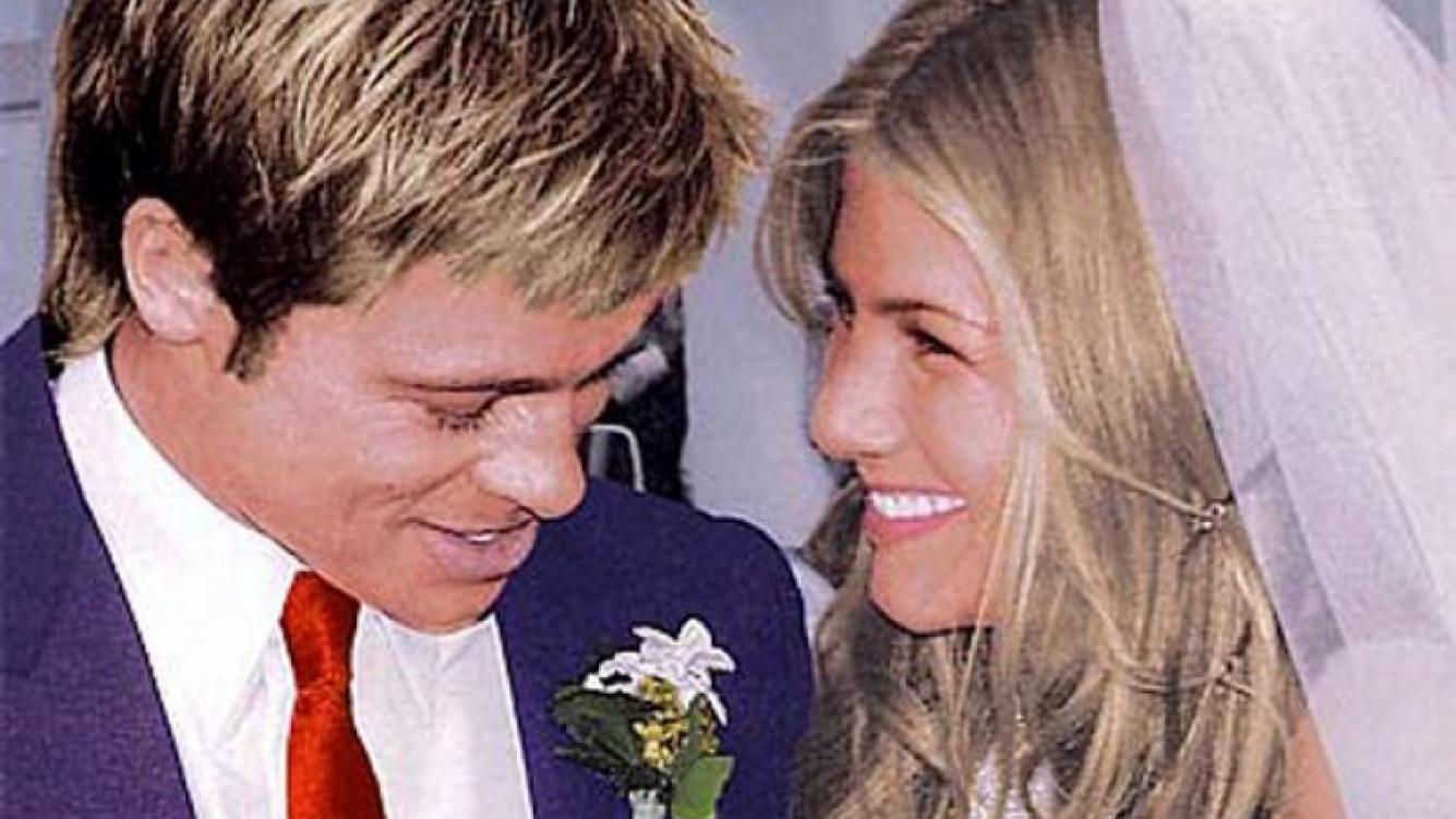 Brad Pitt y Jennifer Aniston en su boda, en 2000. (Foto: Web)