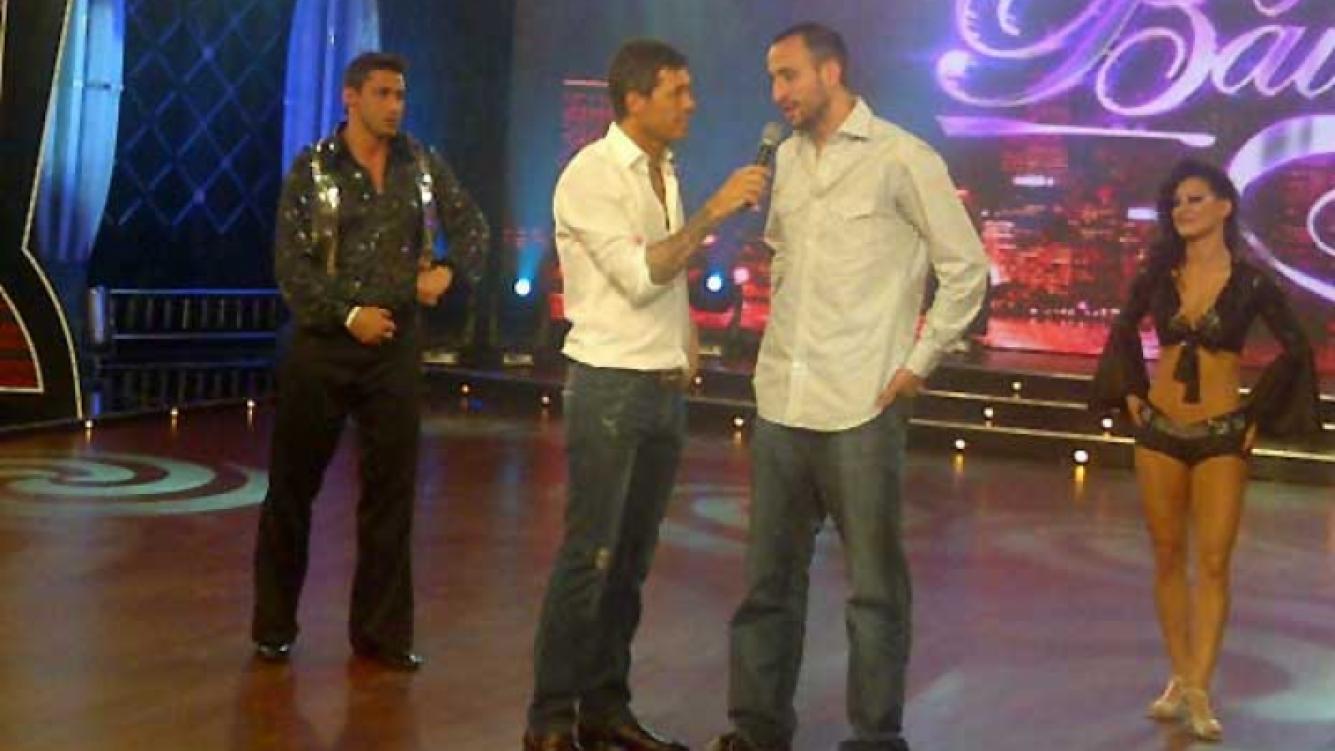 Tito, Marcelo Tinelli y Manu Ginóbili en Bailando 2011. (Foto: @prensaideas)
