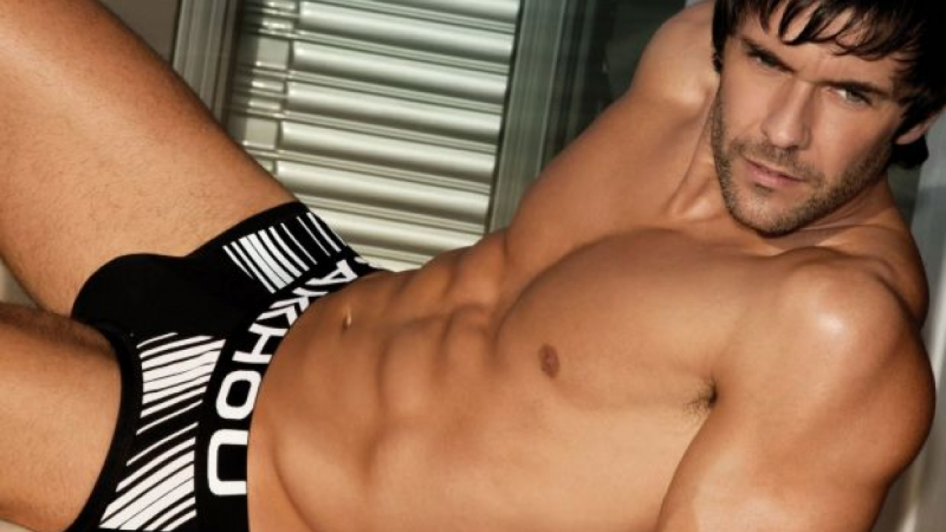 La campaña súper hot de Mariano Martínez en ropa interior. (Fotos: Bakhou)