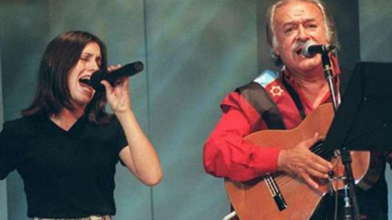 Soledad Pastorutti y César Isella, juntos, en tiempos felices. (Foto: Web)