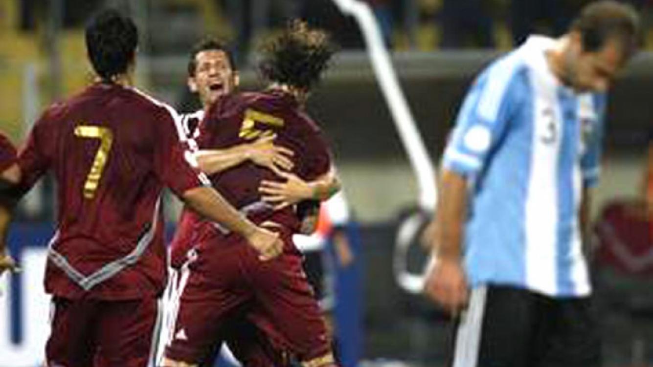 Argentina perdió por primera vez con Venzuela. Y los famosos estallaron. (Foto: Web)