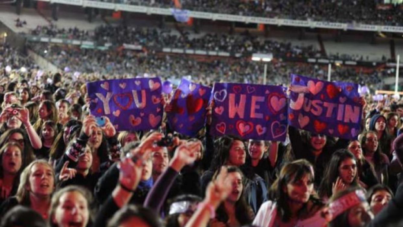 Justin Bieber hizo delirar a sus fanáticas en el Monumental. (Foto: Web)