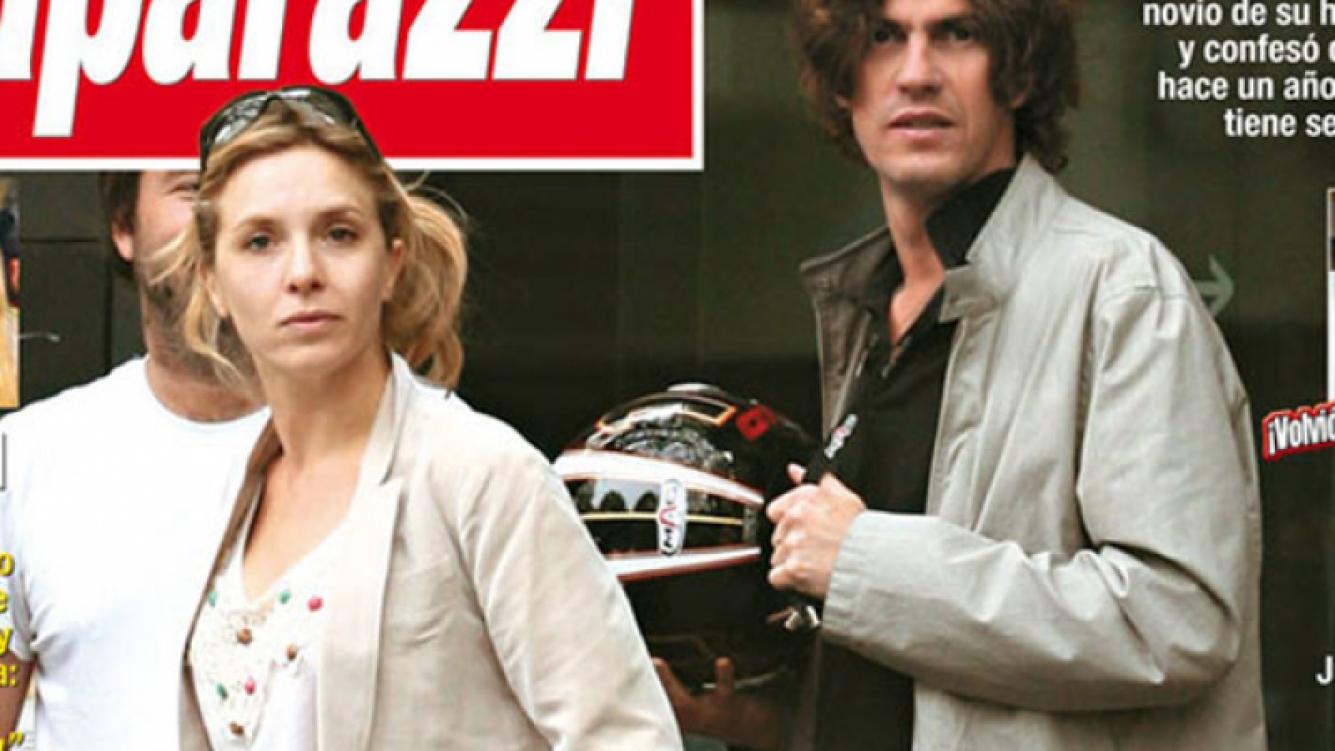 Carla Peterson y Martín Lousteau: la tapa que confirma el romance. (Foto: Paparazzi)