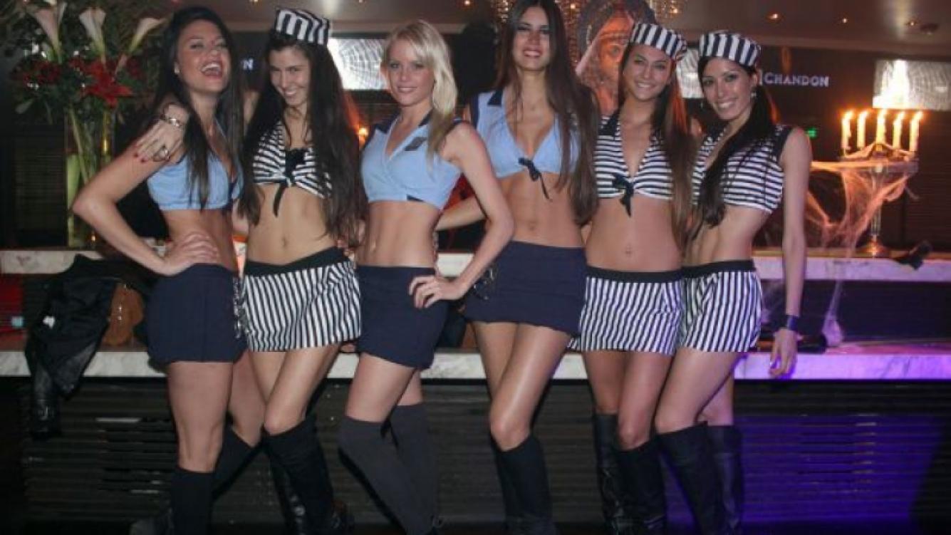 Las chicas de Sábado Bus, mujeres policías... y presas.