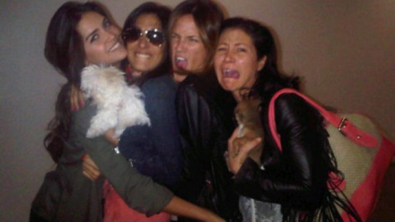 "Puala Chaves subió a Twitter una foto con ""las sobrevivientes"" (Foto: @paulitachaves)"