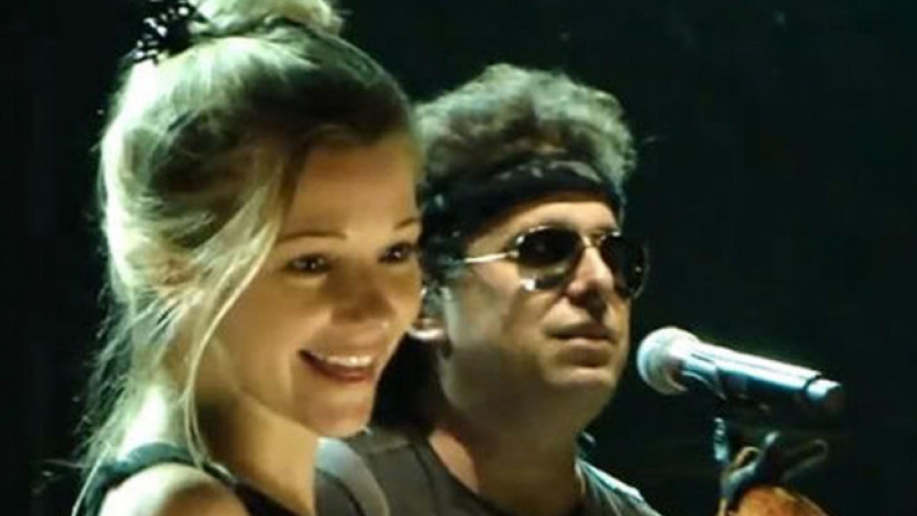 Andrés Calamaro defendió el honor de su novia en Twitter. (Foto: Web)