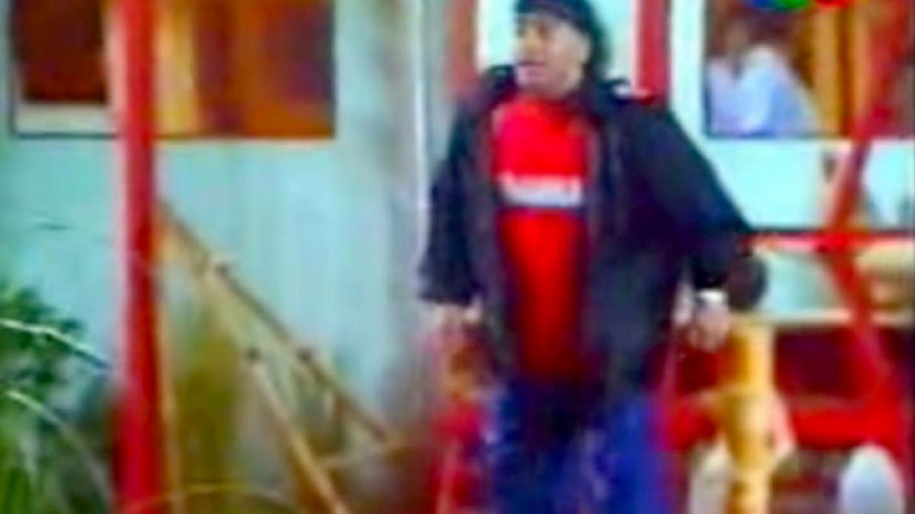 """Captura de YouTube de la polémica visita de Diego Maradona y el enigma de """"la bolsita""""."""