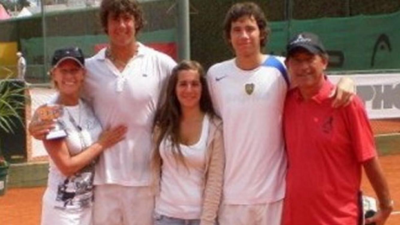 La familia Mendizábal: María Valenzuela, Pichuqui y sus hijos. (Foto: Puroshow)