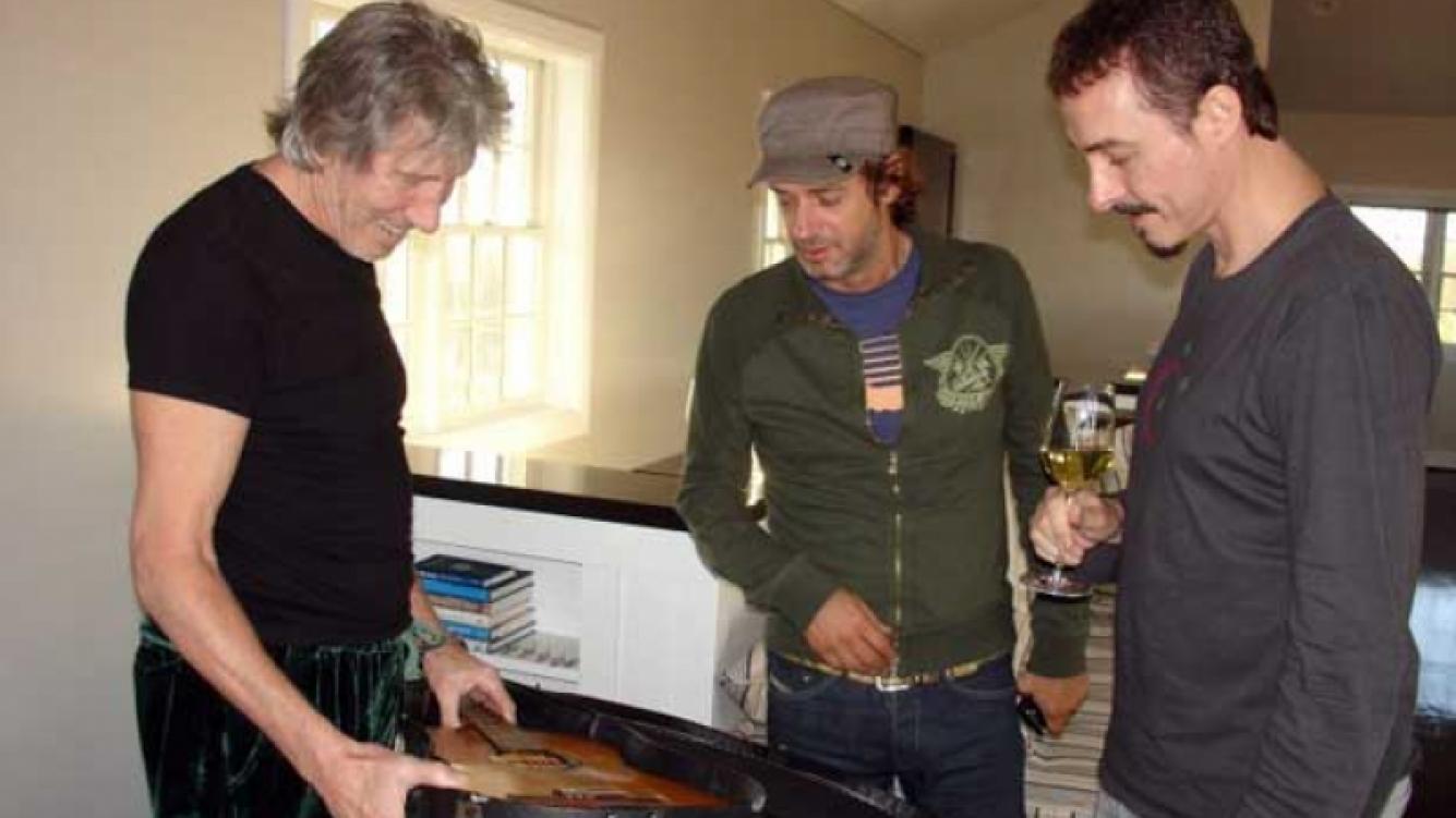 Roger Waters, Gustavo Cerati y Pedro Aznar, cuando grabaron juntos para la Fundación Alas. (Foto: Web)