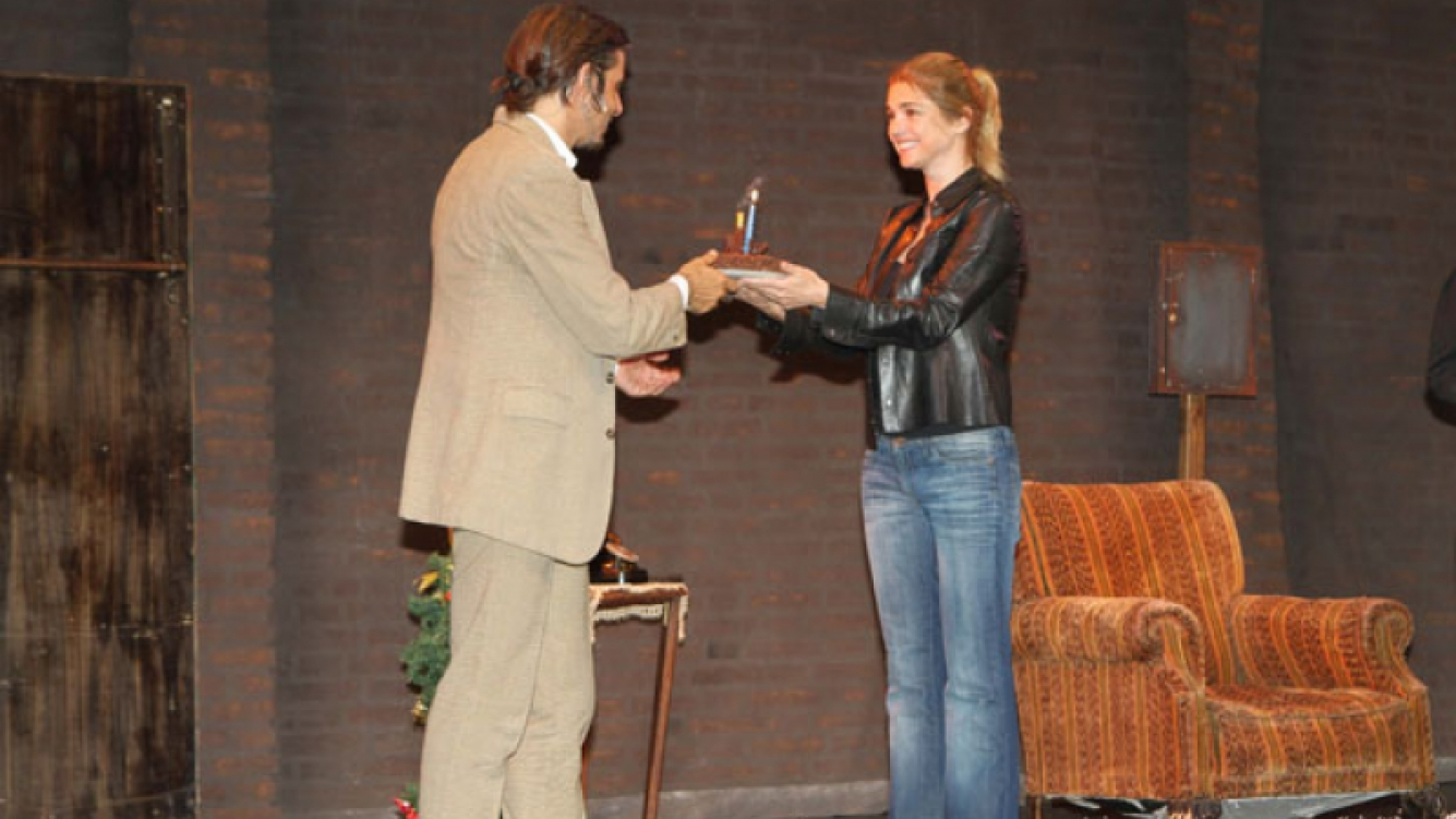Araceli González sorprendió a Fabián Mazzei sobre el escenario (Foto: Faroni Producciones)