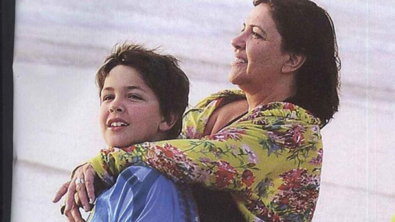 Elizabeth Vernaci y su hijo Vicente. (Foto: revista Pronto)