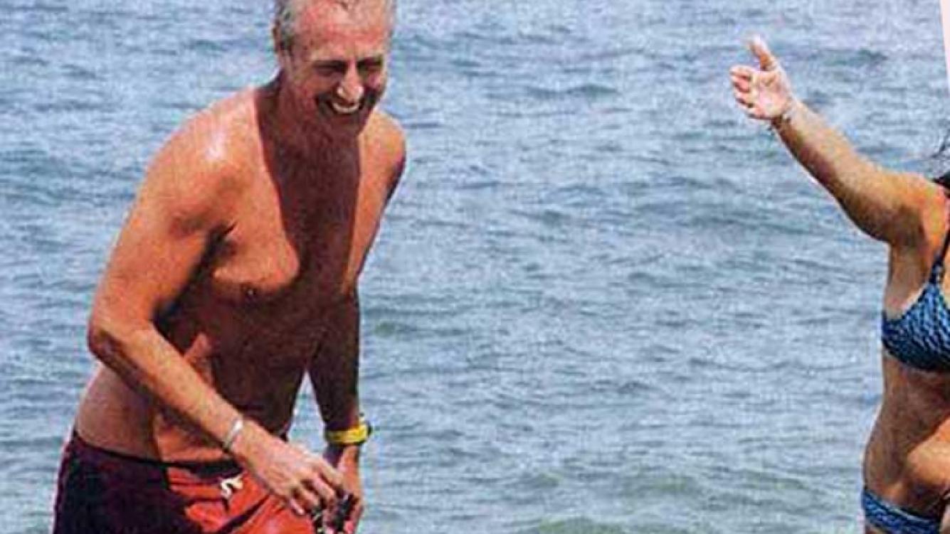 Marley se ríe del agua viva que lo picó en las playas de Punta del Este. (Foto: revista Gente)