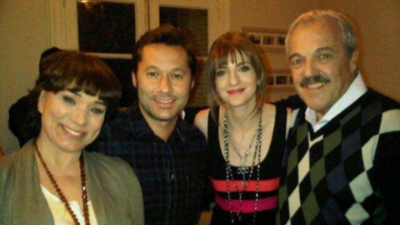 Diego Torres y Julieta Zylberberg, con Betiana Blum y elenco de Extraños en la noche.