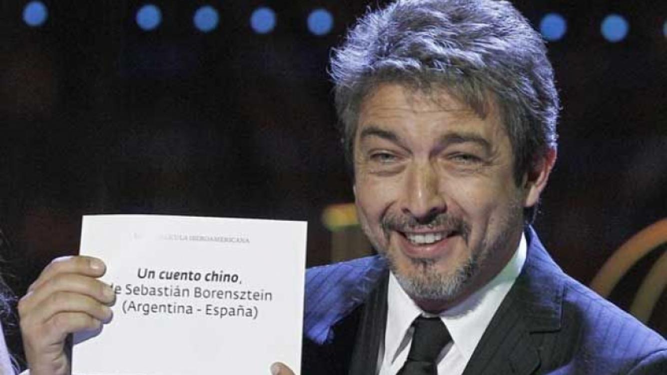 Riacrdo Darín, luego de anunciar que Un cuento chino ganó el premio Goya. (Foto: web)